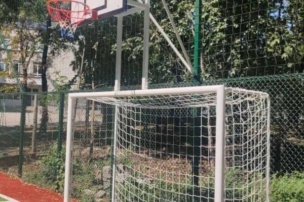 Реконструиране на спортна площадка